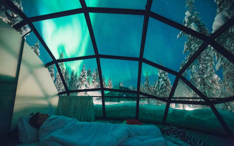 dormir una noche en un iglu de cristal