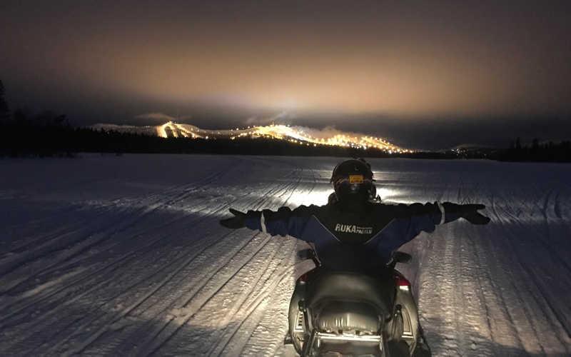 motos de nieve en ruka kuusamo